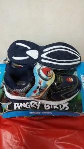 Sepatu Anak gambar ANGRY BIRD Warna BIRU abu , PREPET ,ada lampu no =25 =16,5 cm no=29=19 cm Harga 150.000 disc 30.000 = Rp.120.000