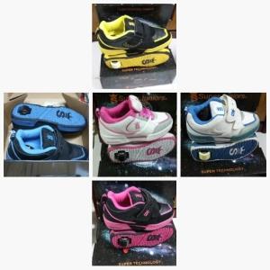 Merk SUPER JUNIOR ,Bisa sepatu bisa sepatu satu Roda tanpa LAMPU No 30-38 Rp 175.000